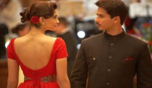 Shahid-Kapoor-and-Sonam-Kapoor-in-MAUSAM-2